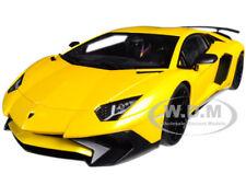 Lamborghini Aventador LP750-4 Sv Neuf Giallo Orion / Met Jaune 1/18 Autoart