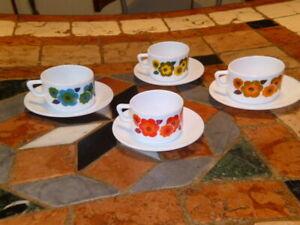 lot 4 tasses à café Arcopal Lotus Vintage 70's Avec Sous Tasses