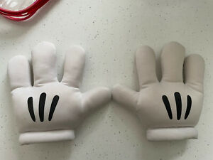 Disney Theme Parks Walt Disney World Mickey Mouse Plush Collectable Gloves Hands