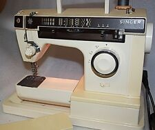 vintage Singer Sewing machine  accessories free arm Made in Italy working order