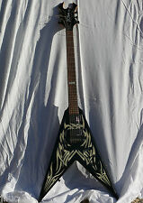 guitare BC Rich Kerry King (Slayer) KKV Flying V signature - Tribal Fire Graphic