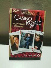 007 James Bond Casino Royale jugando a las cartas