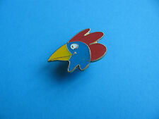 COCKEREL Head pin badge, enamel.