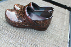 DANSKO VERY NICE BROWN PATENT LEATHER SHOES/CLOGS SZ 37/US 6 EUC MADE IN ITALY