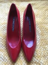Vtg   womens red shoes  leather Martinez Valero heels 2.5, size 6, made in Spain