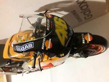 Honda Rcv 211 anno 2003 Valentino Rossi Italeri-Protar scala 1/9 modellino moto.