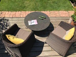 FABULOUS Metal & Weave Fabric Medium Round Table - indoor & outdoor
