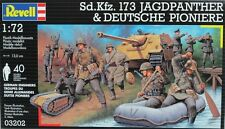 NEW! Revell Germany 1:72 Sd.Kfz.173 Jagdpanther and Troops Model Set RVL03202