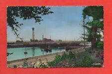 OUISTREHAM - Le port et le phare  (K2843)
