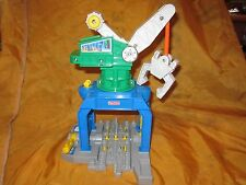 Fisher Price Geo Trax GeoMotion Crane Crankin' Round Moving Parts Works Train