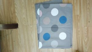 Ladies Stunning Grey Spotty Cashmere Large Scarf BNWOT
