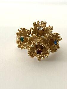 Vintage ~ Trifari ~ Gold Tone With Rhinestones Flower Ring