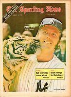 Sporting News 8/12/1972 Baseball magazine, Sparky Lyle, New York Yankees ~ VG
