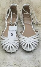 Cat & Jack White Sandals  With Ankle Strap  Size 5  S01