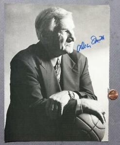 North Carolina Univ. Hall of Fame Coach Dean Smith Signed / Autographed photo!