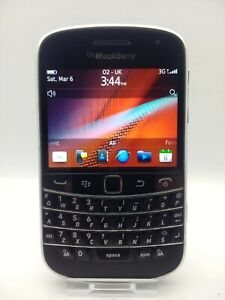 "Blackberry Bold Touch 9900 (Unlocked) Phone Good Condition. 2.8"" 8GB 5MP 3G"