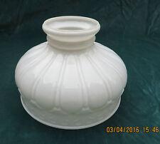 Antique lampe à huile abat-jour en verre blanc