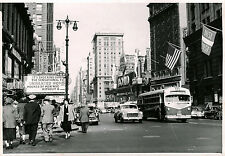 NEW YORK & TWO ORIGINAL ca 1950's PHOTOS MOUNTED ON BOTH SIDES OF A PAPERBOARD