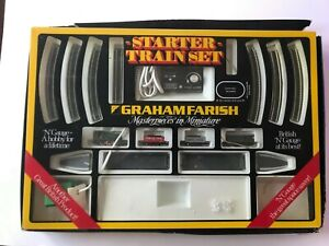 Graham Farish N Gauge J94 Saddle Freight Train Set 8540 (used)