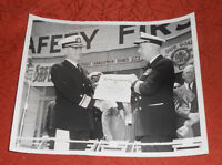 1949 Press Photo Achievement in Safety Award Oakland Naval Supply 12th