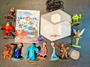 Nintendo Wii Disney Infinity Bundle w/Game & 11 Figures & Portal Base Good !