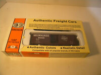 CON-COR #9417 40' PS-1 BOXCAR KIT MILWUAKEE RD HO SCALE  NEW IN OB