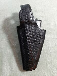 Left Hand Beretta 92 Safariland Holster basketweave pattern