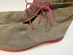 Cole Haan LunarGrand Suede Chukka Boots GRAY SUEDE PINK SOLE 10B PRE-LOVED