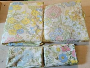Vintage Cannon Royal Family Cotswold 4 PC Set Full Sheet Blue Green Yellow Pink