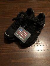 New Balance M990v4 Running Athletic Shoes Black Right Size 8 Left Shoe 6.5