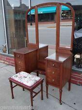Edwardian Antique fine Walnut triple mirror Dresser vanitie with bench stool