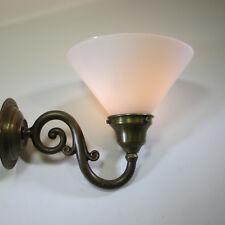 Vintage Wandlampe Massiv Messing Wandleuchte Opal Glasschirm Kettenzugschalter