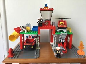 Lego Duplo 5601 Fire Station with Helicopter