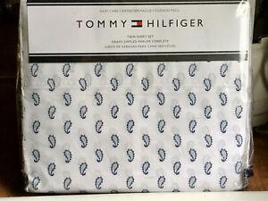 HILFIGER Small Paisley Sheet Set - TWIN SIZE (60% cotton / 40% polyester)