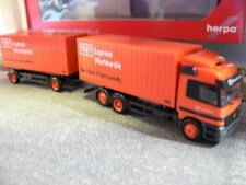 1/87 Herpa MB Actros TNT Express Worldwide cargobox Hängerzug 144278