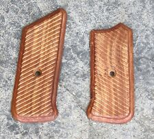 > WW2 GERMAN MP44 GRIPS - PAIR TIMBER REPRODUCTION TOP QUALITY