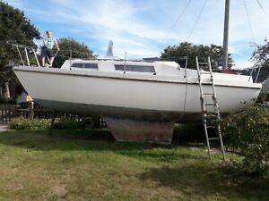 Colvic Sailor 26ft Bilge Keel Boat