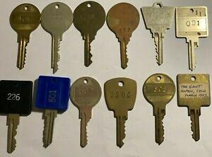 12 OVERSIZED Hotel Motel Room Keys Crafts Steampunk LOT #4