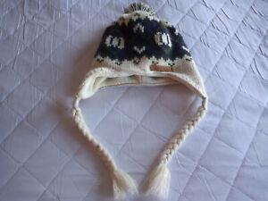 animal - bobble hat - blue/green/cream  - one size - ex cond