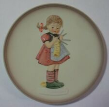 """M.I.HUMMEL BY GOEBEL """"A STITCH IN TIME- (3/4) LITTLE HOMEMAKERS HUM 747 MIB"""