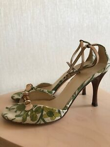 Authentic Gucci Flora Bamboo sandals size 6