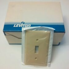 (25) Ivory Switch Cover Wall Plates, Leviton Single Gang - High Abuse