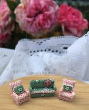 1:144Scale Handmade Dollhouse Miniature TeenyTiny SWEET PEA COUCH & CHAIRS SET