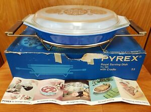 PYREX Promotional Serving Dish ROYAL BLUE Casserole Gold Medallion Lid Cradle