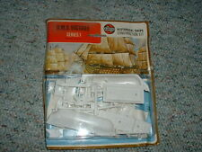 Airfix HMS Victory  Old  -1973 carded i.