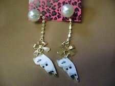 """NWT- BETSEY JOHNSON  """"HANGING CAT CRYSTAL PEARL STUD PIERCED EARRINGS. USA"""