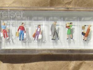 NEW ~ Preiser SHOPPERS WITH BAGS People Figures ~ Mayhayred Trains N Scale Lot