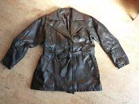 Jacke Lederjacke Echtleder mit Reißverschlüssen und Bindegürtel schwarz Gr. 38