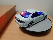 1 18 Vt HSV (white) unmarked police with led lights
