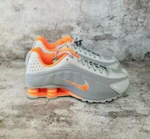 """Nike Shox R4 """"Lt Smoke Grey"""" (CW2626-001) Youth 7 /women's Size 8.5"""